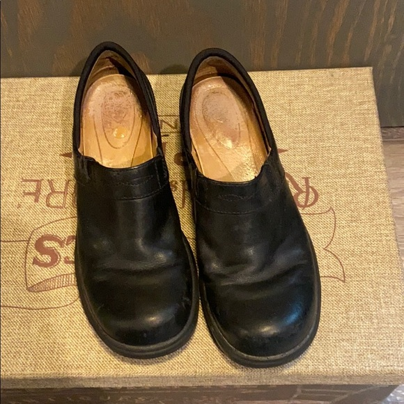 Ariat Shoes - Ariat ATS Equipped Black clog good used condition